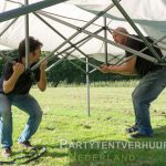 Opzetten easy up tent Leeuwarden